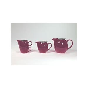 Reggeliző teaszett, fémtetős (lila). Kanna 450 ml fém szűrővel, csésze 250 ml, a kép bal oldalán látható.